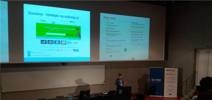Petr Komárek povídá o nTLD na konferenci Internet a Technologie 2016.
